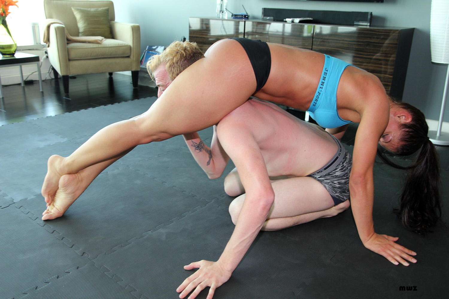 Sexy Blonde Mixed Wrestling