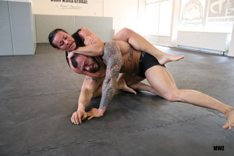 How To Finish The Rear Naked Choke
